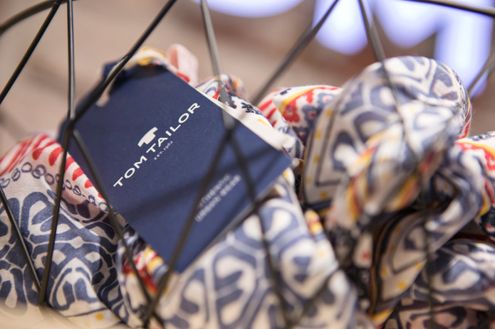 wholesale dealer 4f811 1eb0c Tom Tailor lanciert Schweizer Online-Shop | HANDEL HEUTE ...